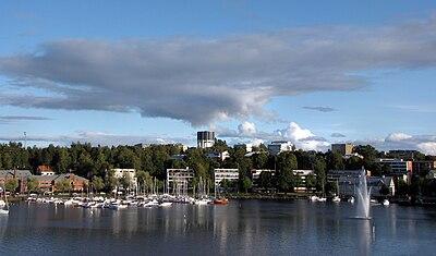 Hamnen i Villmanstrand, med det berömda vattentornet i bakgrunden