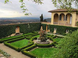 Villa Le Balze - Image: Le balze, giardino d'inverno 02
