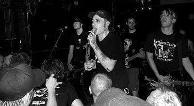 Picture of a band or musician: Leftöver Crack