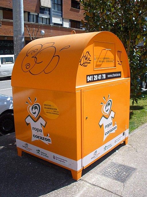 Logroño - contenedor de ropa