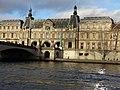Louvre & Seine (10510127033).jpg