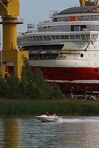 MS Viking Grace, Pernon telakka, Hahdenniemen venesatama, Raisio, 11.8.2012 (6).JPG