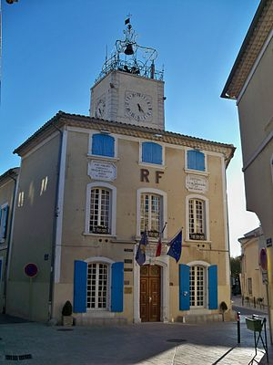 Caderousse - The town hall of Caderousse