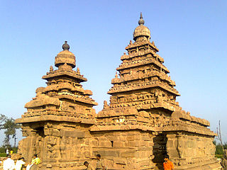 Shore Temple structural temple, built with blocks of granite, dating from the 8th century AD, it is one of the Group of Monuments at Mahabalipuram, a UNESCO World Heritage Site
