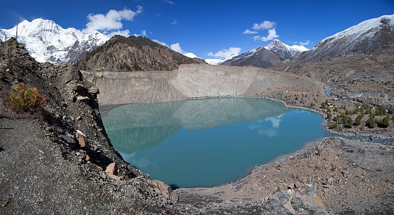 File:Manang Lake Gangapurna.jpg