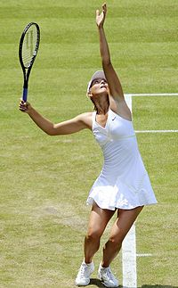 Maria Sharapova at the 2009 Wimbledon Championships 12 (cropped).jpg