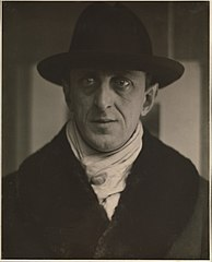 Marsden Hartley (by Alfred Stieglitz).jpg