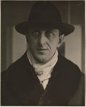 Marsden Hartley - Photograph of Hartley by Alfred Stieglitz at the Metropolitan Museum of Art, 1916