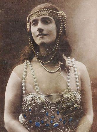 Mârouf, savetier du Caire - Marthe Davelli as Princess Saamcheddine
