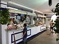 Mercado de abastos, venta de pescado, Tarifa, España, 2015.JPG
