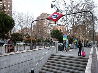 Herrera Oria (Madrid Metro) - Image: Metro de Madrid Herrera Oria 01