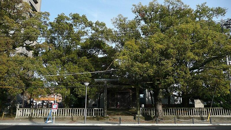 File:Miyazaki Shrine Segashira Otabisho 2009.JPG