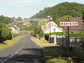 Montaigu (Aisne) city limit sign.JPG