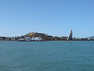Mount Victoria (Auckland) - Takarunga / Mount Victoria as seen from the south on the Waitematā Harbour, the Devonport ferry terminal in the middle distance.