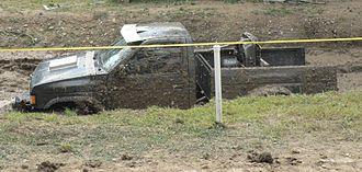 Mud bogging - Image: Mud Bogging September 2007(cropped)