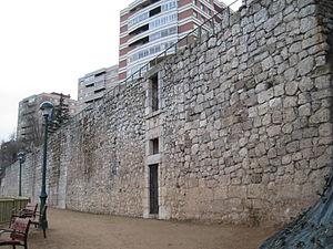 Palacio de la Ribera - Remains of the wall of the palace.