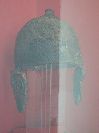 Montefortino helmet - Image: Museo archeologico statale di Arcevia 4