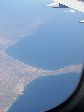 Nea Poteidaia - Nea Potidea and the isthmus connecting the Kassandra peninsula to the mainland.