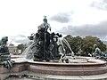 Neptunbrunnen 030.jpg
