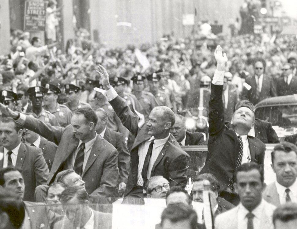 New York City Welcomes the Apollo 11 Astronauts - GPN-2002-000034