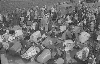 Gravity racer - Soapbox race departure, 1938