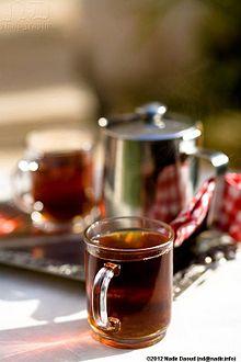 كأس الشاي الأحمر