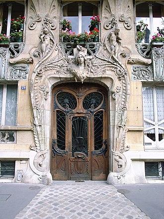 Alexandre Bigot - Image: No 29 Avenue Rapp entryway