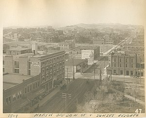 Sunset Heights - North Oregon Street and Sunset Heights, 1909.
