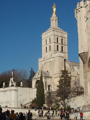 This photo of Notre Dame des Doms cathedral shows the Palais des Papes just to the right.