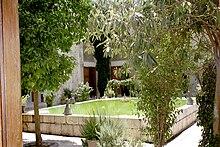 البيمارستان 220px-Nur_al-Din_Bim