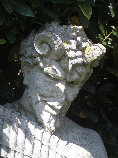 http://upload.wikimedia.org/wikipedia/commons/thumb/8/8e/PanGod.jpg/450px-PanGod.jpg