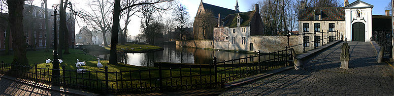 Outside of the Beguinage, with the Minnewater (nl) Park in the background.