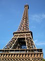 Paris, Eiffelturm SW 2012-09.jpg