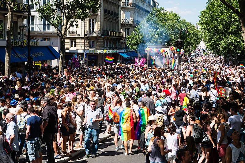 File:Paris, gaypride 2015 - Flickr 19227540475.jpg