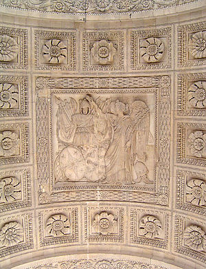 Arc de Triomphe du Carrousel - Central bas-relief under the main arch