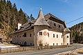 Paternion Kreuzen 32 Schloss SW-Ansicht 06042018 2872.jpg