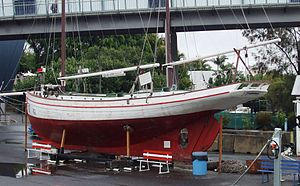Queensland Maritime Museum - Image: Pearlingluggerpengui n