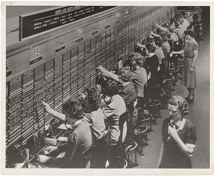 File:Photograph of Women Working at a Bell System Telephone Switchboard (3660047829).jpg