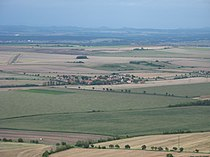 Pohled z Hazmburku, Černiv.JPG