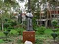 Pomnik św. Wincentego Pallottiego na terenie Ośrodka Animacji Misyjnej w Skolimowie.JPG