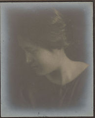 Portrait of Hawaiian girl (Profile) 1909.jpg