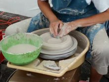 Archivo:PotteryShaping.ogv