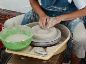 Fichier:PotteryShaping.ogv