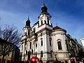 Prag - Prag – Nikolauskirche am Altstädter Ring - Chrám Svatého Mikuláše Staroměstské náměstí - panoramio (1).jpg