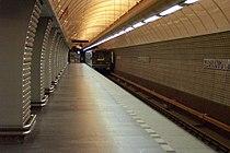 Praha, Karlovo náměstí, Boční loď stanice metra.jpg