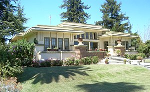 Shasta Hanchett Park, San Jose - The historic Col House, built in 1913 by Frank Delos Wolfe.