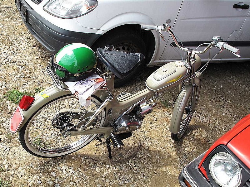 ** Das Moped ** 800px-Puch_MS50_museum