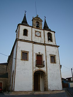 Puerto de Vega Asturias iglesia Santa Marina ni.JPG