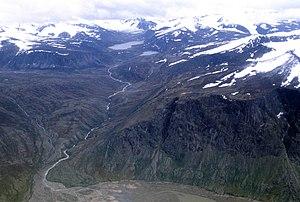 Baffin Mountains - Image: Qijuttaaqanngittuq Valley 1 1997 08 07