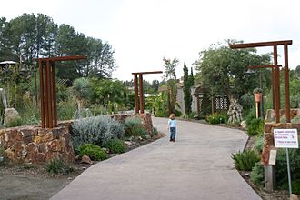 San Diego Botanic Garden - Image: Quail botanical gardens 2